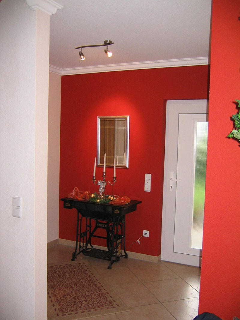 Zimmer weiß rot