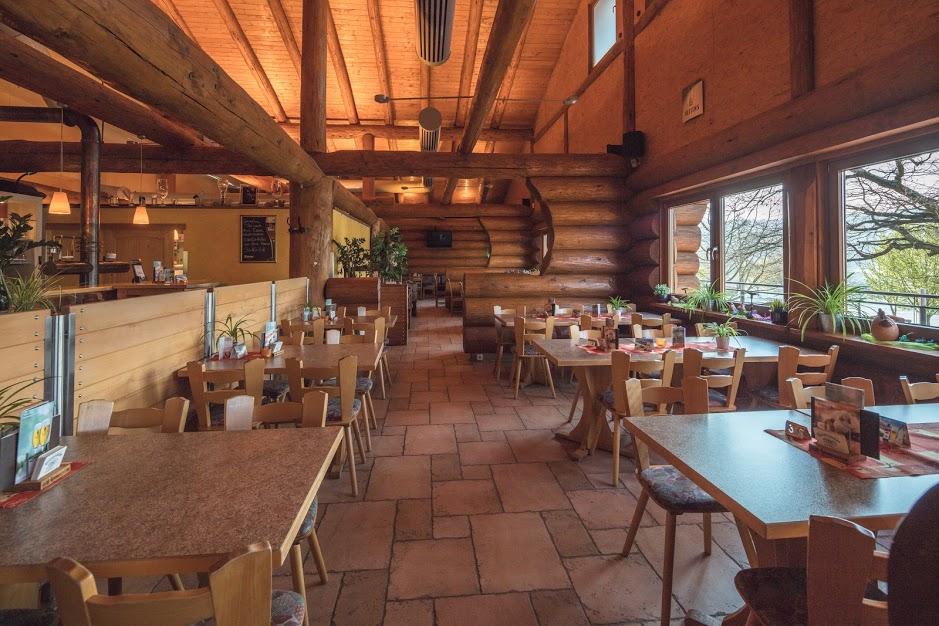 Restaurant innen Tische